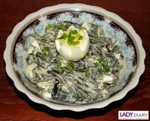 Салат с морской капустой с яйцом и майонезом